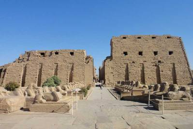 private tour to luxor
